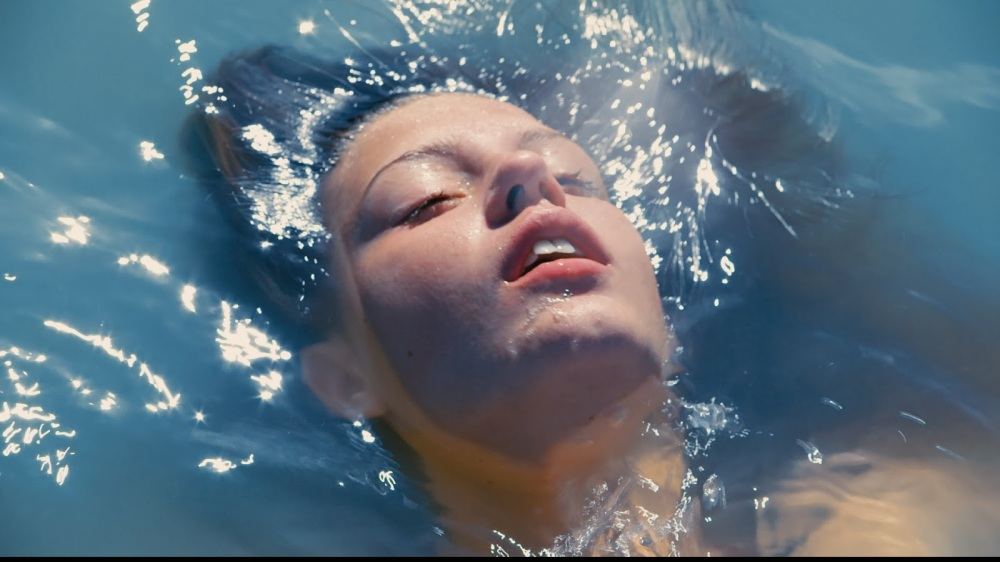 Blue is the Warmest Color Adele Water